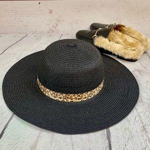 BLACK STRAW HAT w/ Leopard ribbon NWT